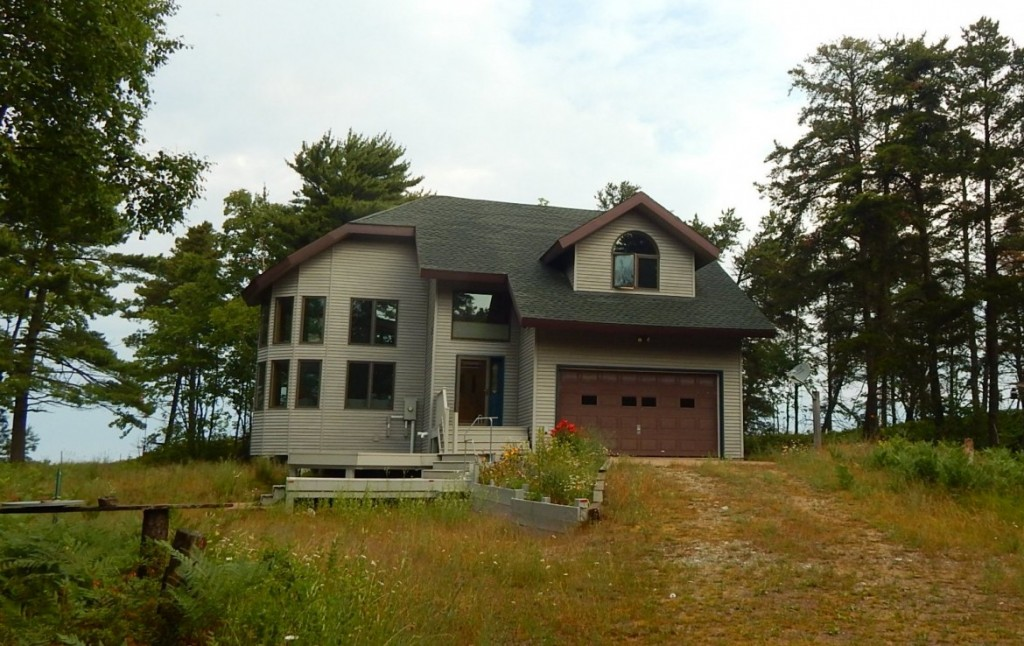 Lake Homes for Sale in Michigan